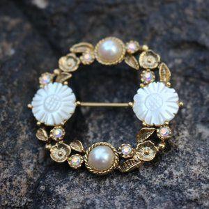 [5/$25] Vintage Pearl Shell Wreath Brooch Pin